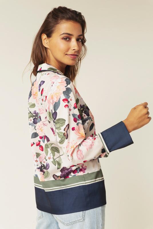 Product Thumbnail of Gia shirt