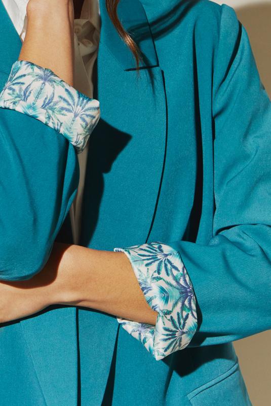 Product Thumbnail of Flora blazer