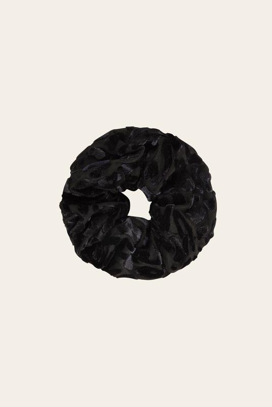 Product Thumbnail of Simone velvet scrunchie