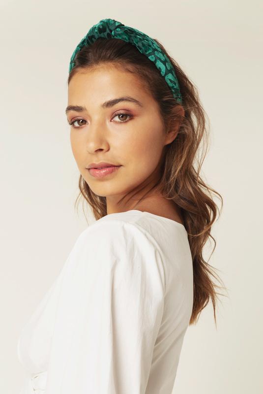 Product Thumbnail of Mila velvet headband