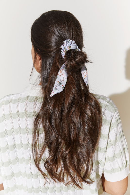 Product Thumbnail of Demi scrunchie