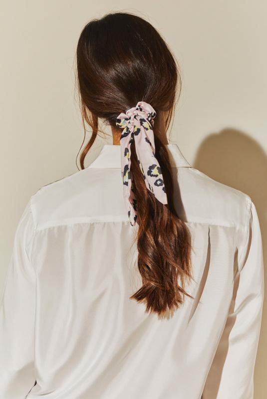 Product Thumbnail of Demi scrunchie