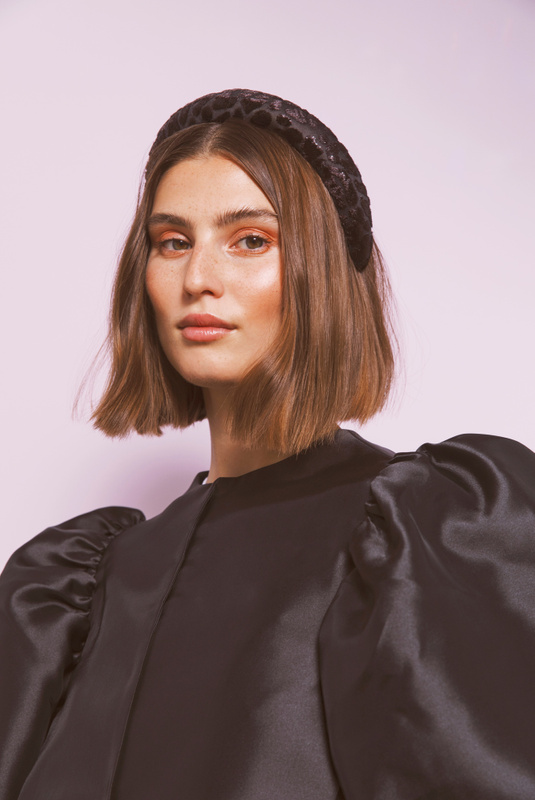 Product Thumbnail of Sally velvet headband