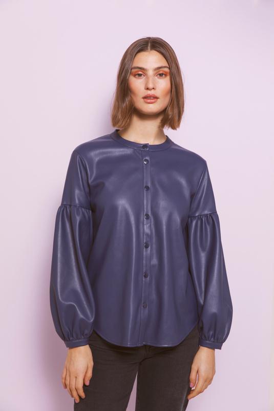 Product Thumbnail of Ally shirt