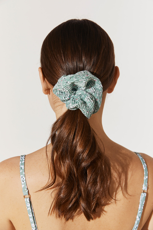 Product Thumbnail of Lou pleated scrunchie