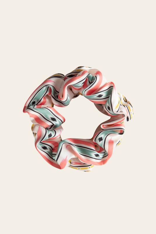 Product Thumbnail of Nika scrunchie