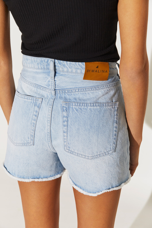 Product Thumbnail of Laura jeans shorts
