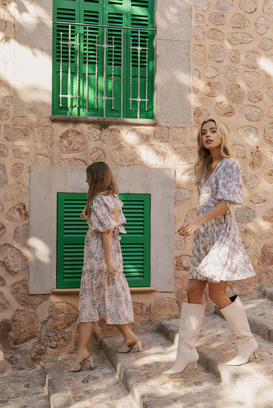 Product Thumbnail of Novia dress