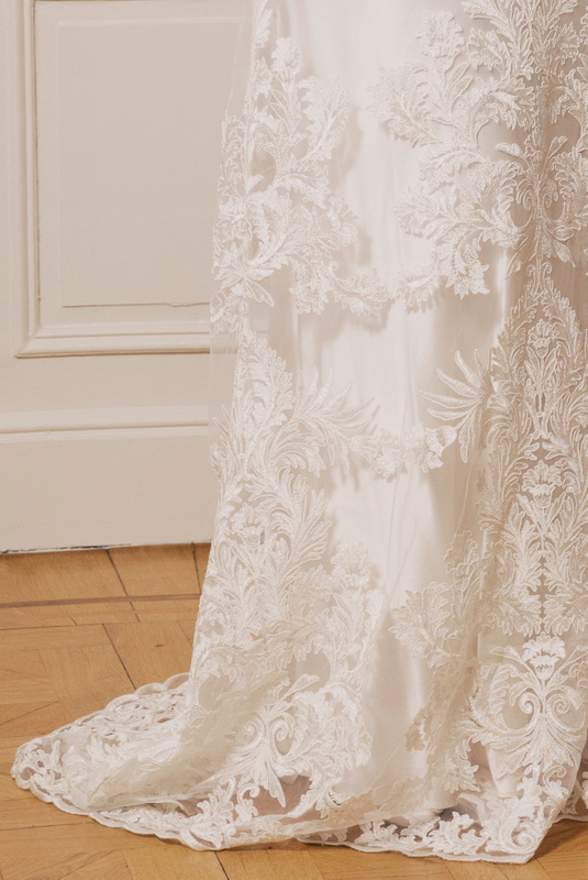 Product Thumbnail of Rosa gown