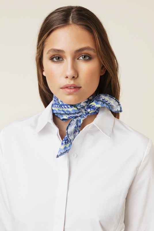 Product Thumbnail of Fly scarf